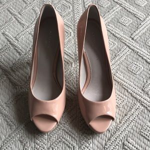 Kenneth Cole NWT Giselle Peep Toe Pumps